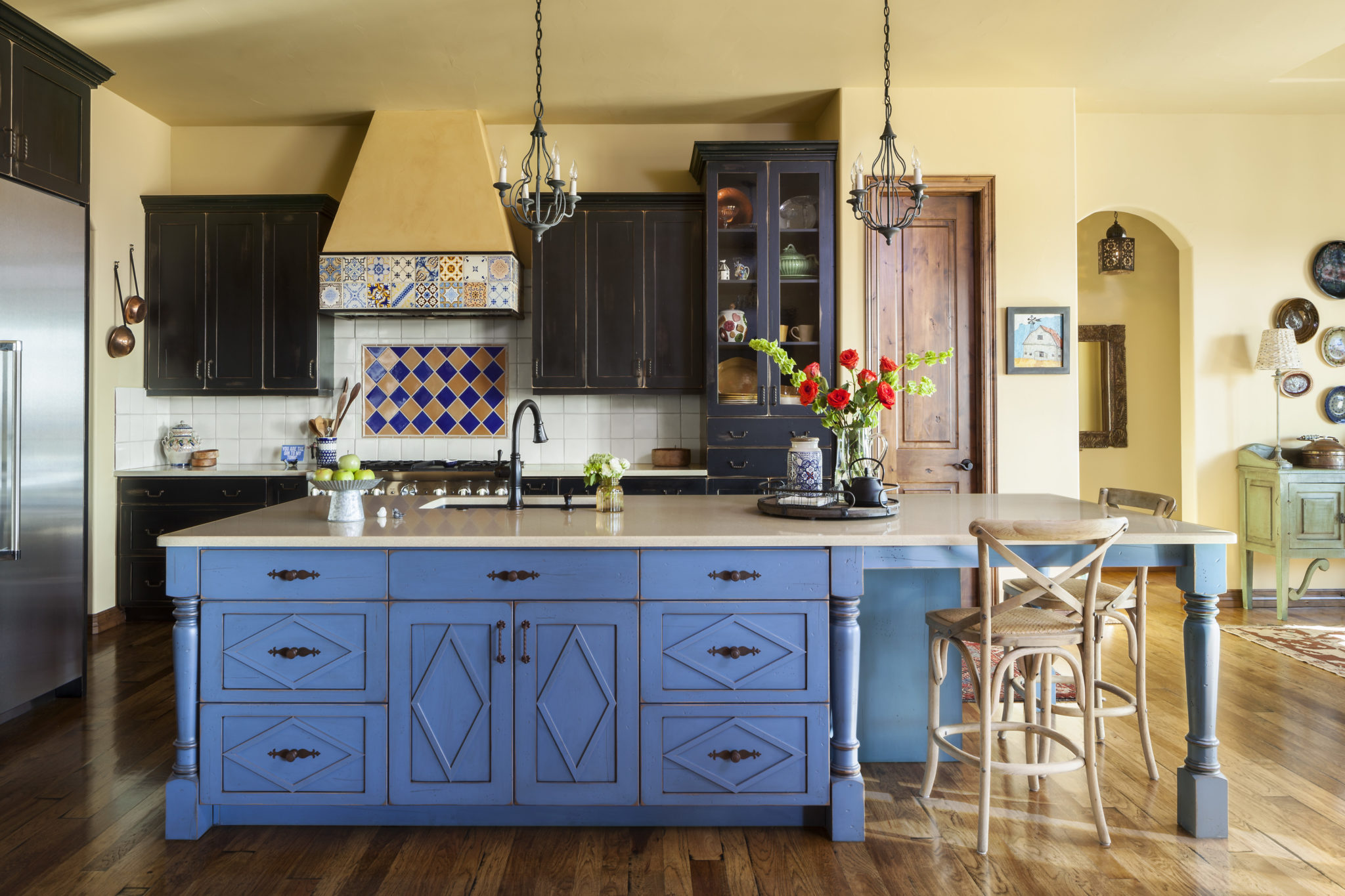 jennifer Medoff, Dragonfly Designs, Longmont, CO , kitchen with blue island